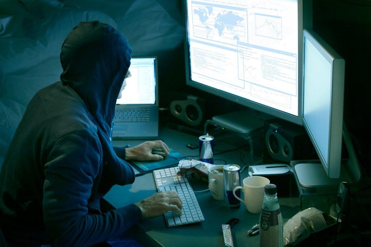 реплики сумочек хакер левин офис на большой морской чем это связано